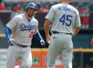 Dodgers Defeat The Reds, 18-9