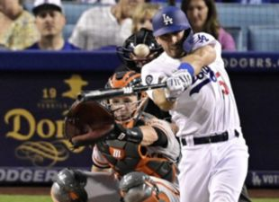 Taylor, Dodgers squeak past Giants