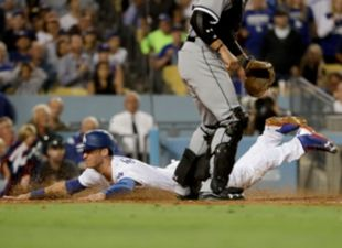 Dodgers beat the White Sox, 6-1