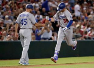 Dodgers tie up the series with the D-Backs