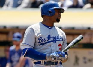 Dugout Report: Roberts Discusses Travel Issues With Carl Crawford