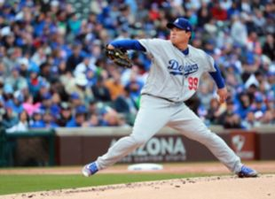 Roberts, Dodgers drop series to Cubs