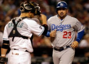 Dodgers Top D-backs, 3-2