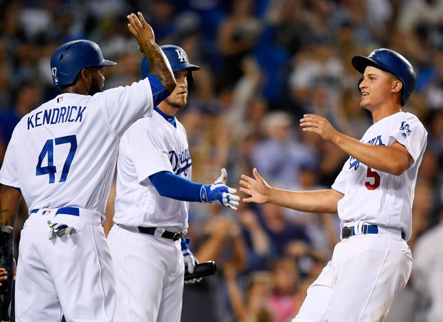 Dodgers Take Game 1, Beat Giants 9-5