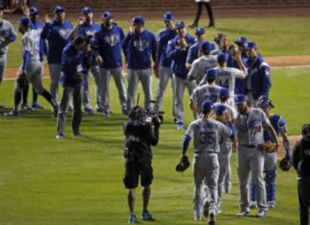 Dodgers take commanding 3-0 series lead