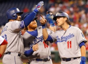 Dodger Bats Stay Hot In Philadelphia