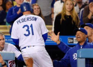 Pederson, Dodgers Rout Reds