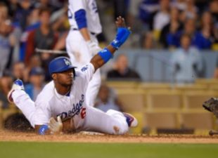 Dodgers Dominate Reds, 8-2