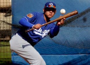 Dodgers-spring-training-urias-thumb?wid=310&hei=225&fit=stretch&bgc=000000&