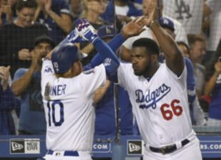 Turner lifts Dodgers past D-backs