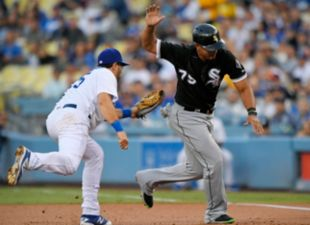 Dodgers win 5-4 against White Sox