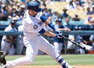 Dodgers def. Astros, 3-2
