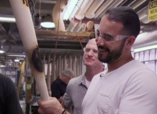 Backstage: Ethier tours the Louisville Slugger factory