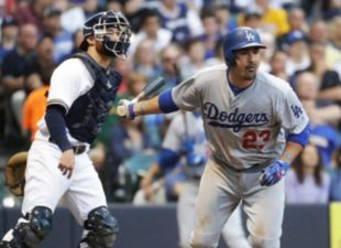 Dodgers Edge Brewers, 6-5