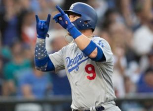Dodgers Sweep Rangers