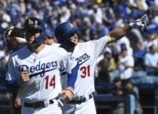 Dodgers hit 8 homers in 12-5 win over Arizona