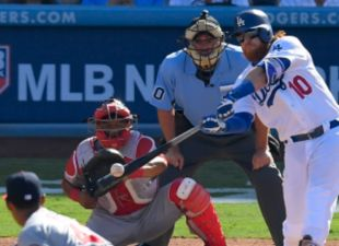 Dodgers Take Game-4, Split Series 2-2