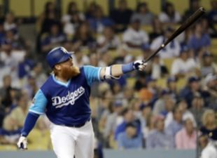 Turner, Dodgers blast past Padres