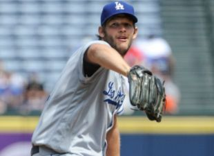 Dodgers Defeat The Braves, 2-1