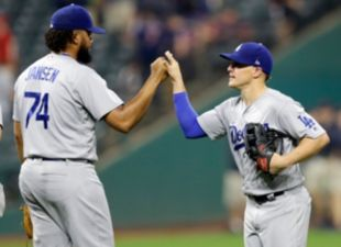 Kike powers Dodgers past Indians