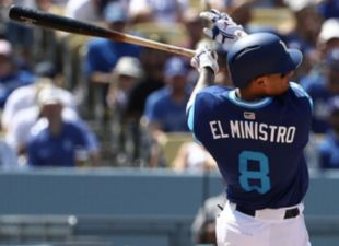 Machado, Dodgers sweep Padres
