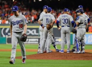 Dodgers lose Game 5 after 10 innings