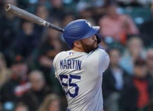 Martin, Dodgers rock Reds
