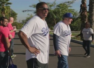 Dodger Alums hand out turkeys at Operation Gobble