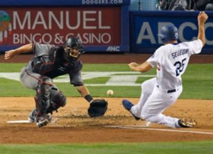 Dodgers Lose 4-2, Split Series with D-backs