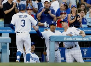 Dodgers beat the D-Backs, 1-0