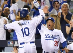 Dodgers take game 1 vs. D-backs