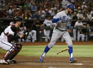 Dodgers defeat the D-Backs 3-2