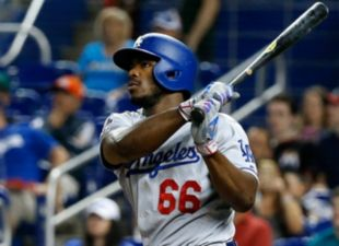 Dodgers avoid sweep, beat Marlins 7-0
