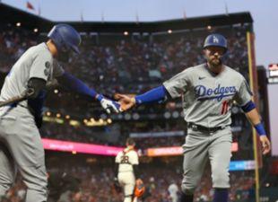 Dodgers Tie Series 1-1