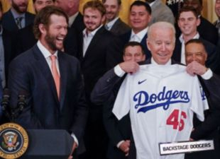 Backstage: Dodgers visit the White House
