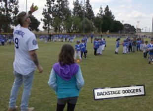 Backstage: Grandal Gives Back