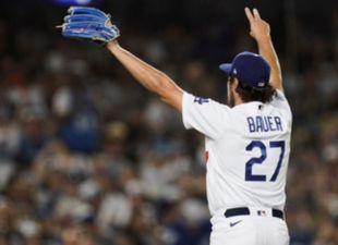 Bauer, Dodgers def. Giants in GM-1