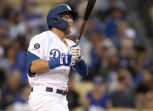 Beaty, Dodgers rally to beat Cubs