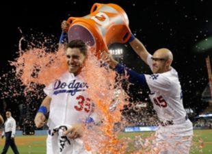 Dodgers def. D-Backs after 5-straight walks