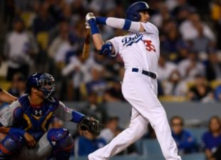 Dodgers beat the Cubs 7-3