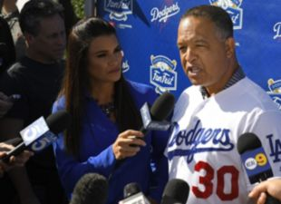 Dodgers FanFest 2020: Dave Roberts