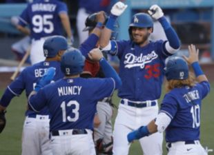 Dodgers top D-backs 9-2