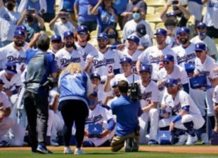 Dodgers get their rings