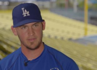 Connected With: Yasmani Grandal promo