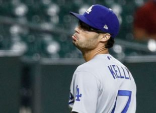 Kelly, Dodgers top Astros