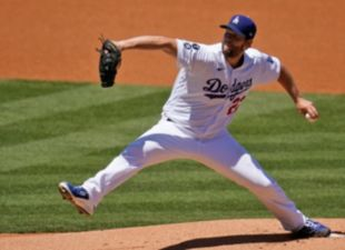 Kershaw shuts down Reds