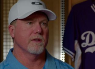 McGwire likes new look of Dodgers roster
