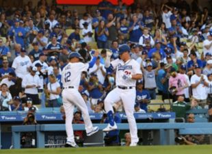 Dodgers beat the Marlins 10-6