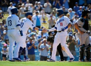 Dodgers def. the Marlins 9-0