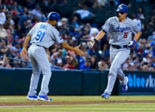 Seager powers Dodgers to win number 100